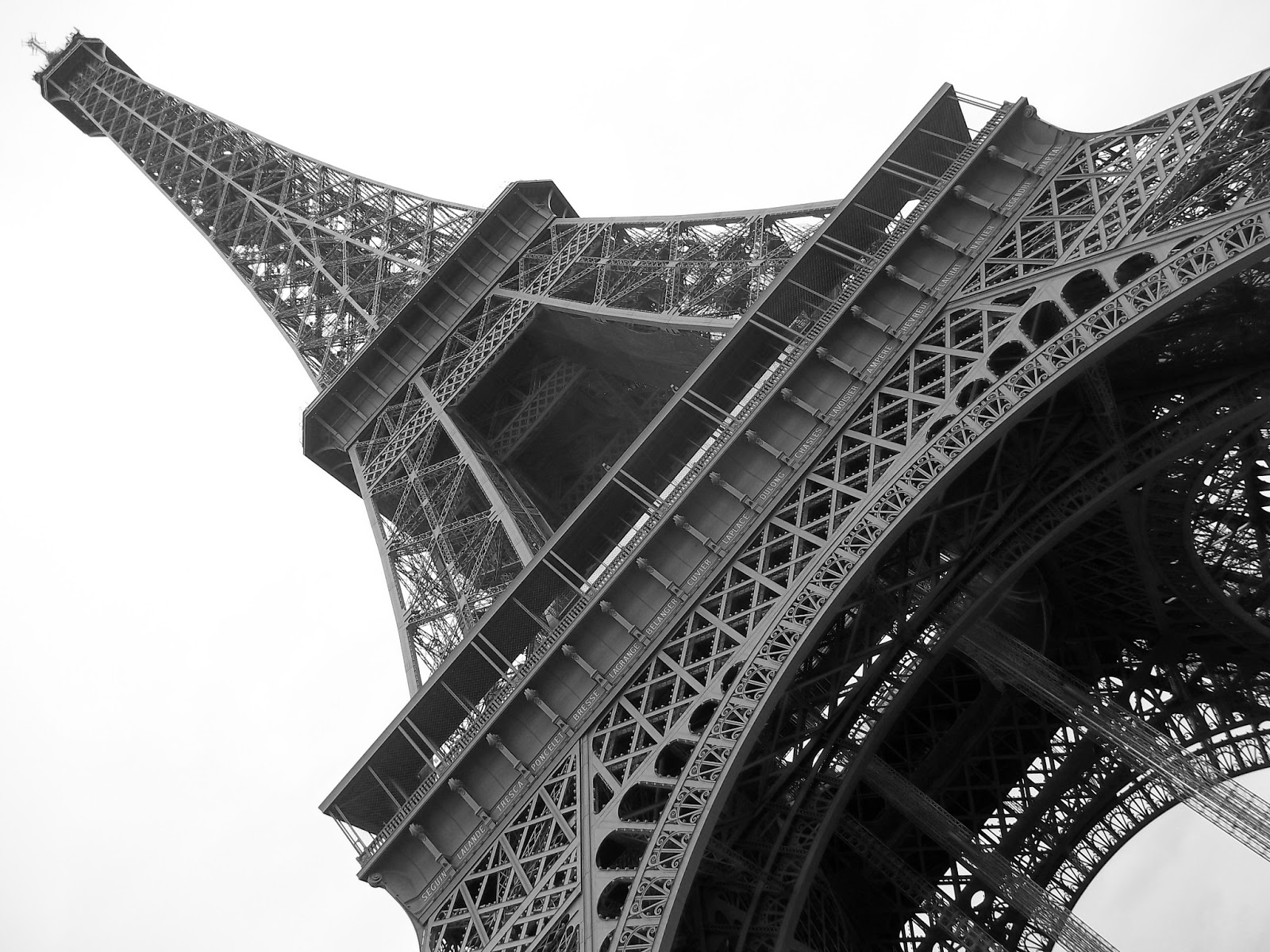 High Resolution Eiffel Tower In Paris
