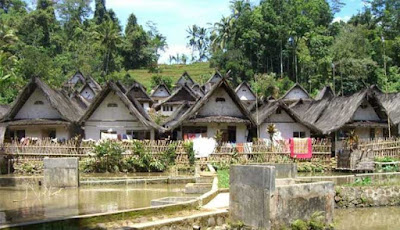 wisata kampung naga