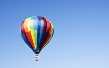 Wallpaper: Hot air balloon on the blue sky