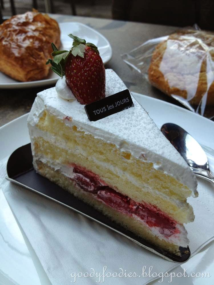 Danish Strawberry Cake