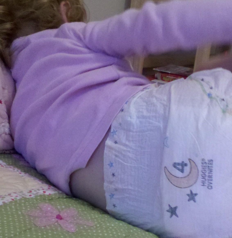 Girls pooping diapers