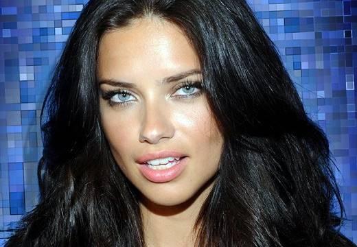 Modelo Adriana Lima, uma das angels da Victoria's Secret