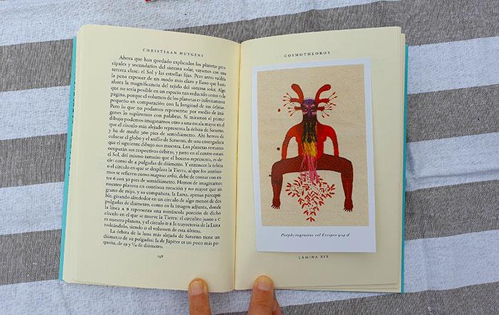 Una de las láminas ilustradas por Alejandra Acosta sobre vida extraterrestre en «Cosmotheoros»