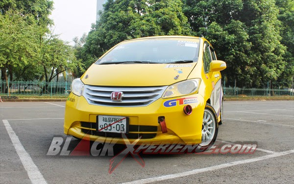 Foto Modifikasi Honda Freed Konsep Street Racing