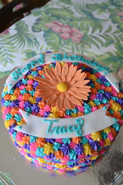 Crocheted Cupcake Tracy' Birthday Cake