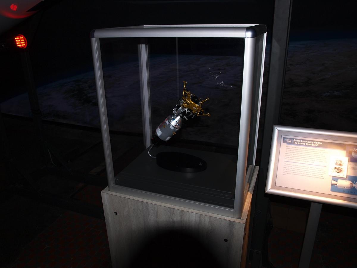 Miniaturowy model statku kosmicznego Apollo | Fot: polskiastrobloger.pl