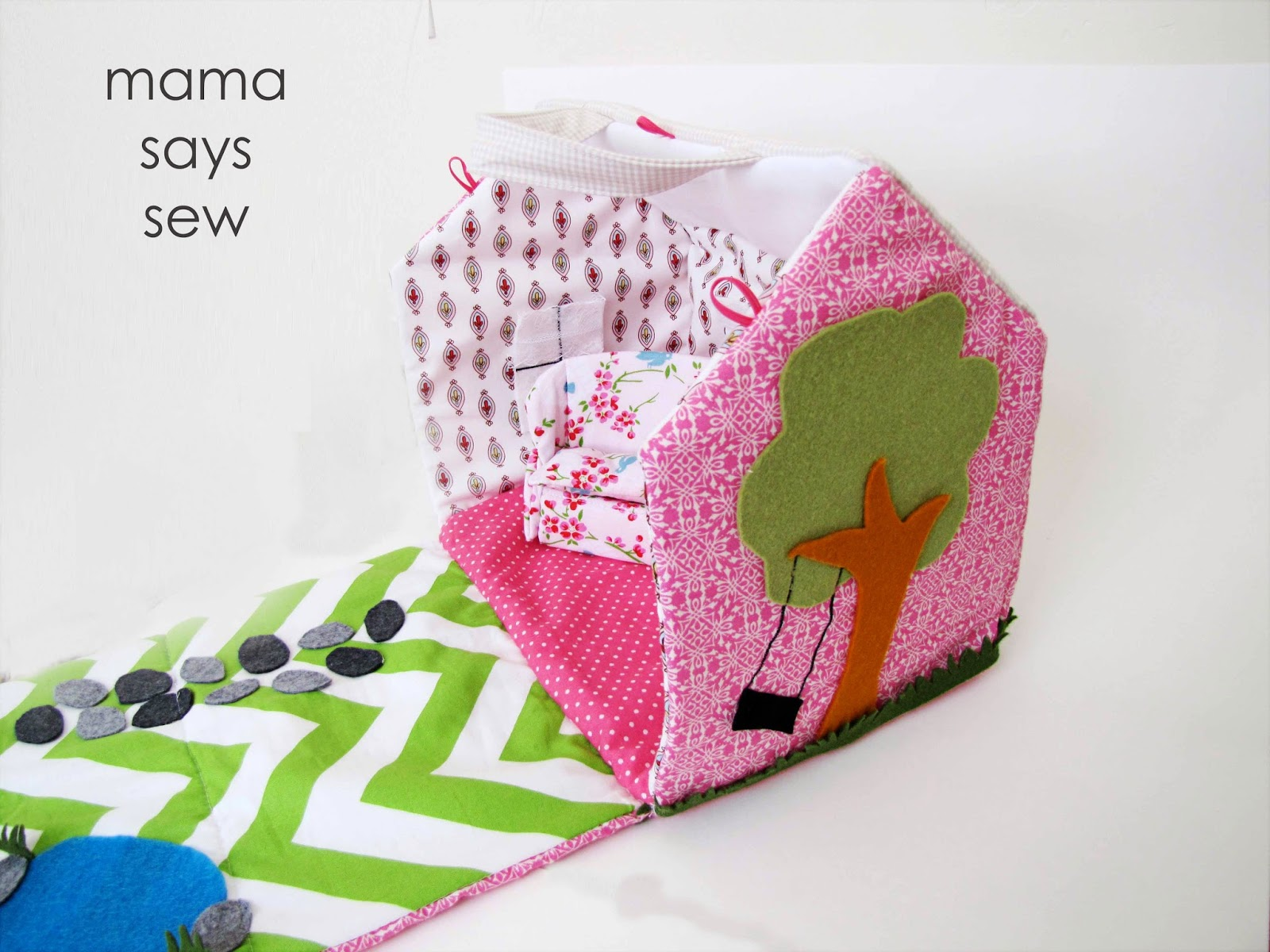 Mama says sew fabric doll house for Make a house online