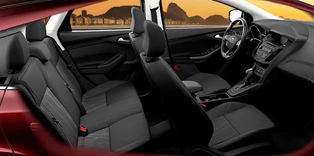 Ford Focus 2017 Selecshift - interior - Copacabana nas janelas