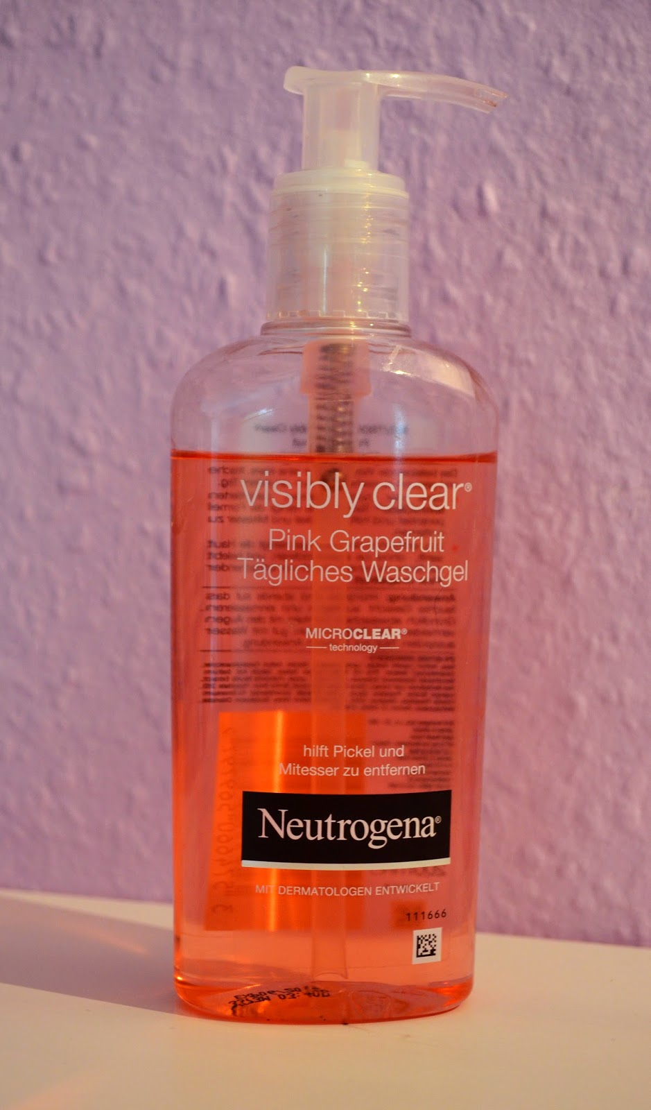 soulpaint review neutrogena visibly clear pink grapefruit. Black Bedroom Furniture Sets. Home Design Ideas