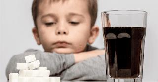 Les choses horribles qui se passent dans le corps après la consommation d'un soda