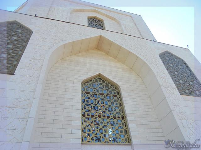здание памятного знака принятия ислама
