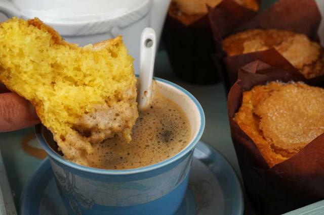 magdalenas con café con leche