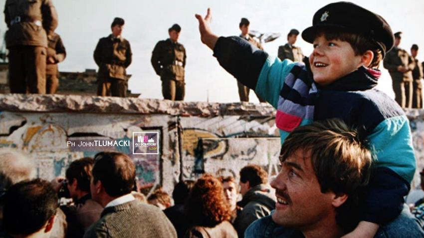 Berlino 1989, 30 anni fa cadeva il muro: 5 libri raccontano la fine di un'epoca
