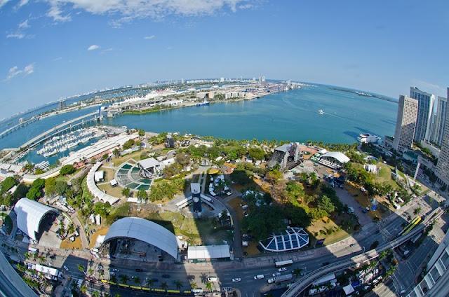 Visite o Bayfront Park Miami