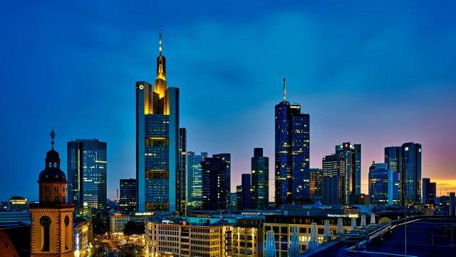 grattacieli-francoforte-poracci-in-viaggio