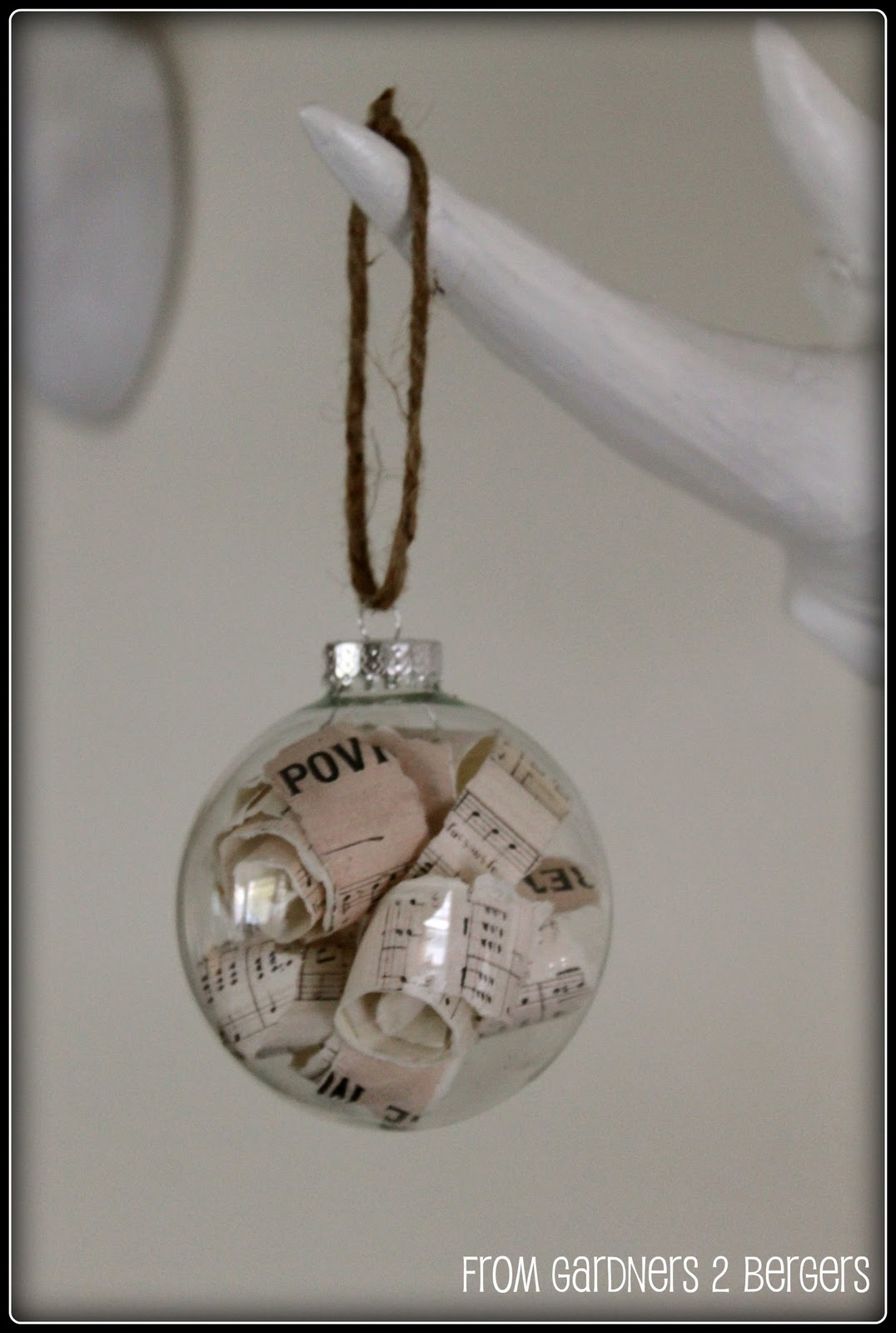 French-Christmas-Carol-Ornament