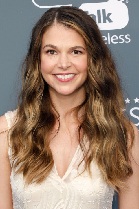 Sutton Foster clearly protects her fabulous skin from damaging UV exposure, so we're guessing those intense highlights came from a professional colorist and not the sun.