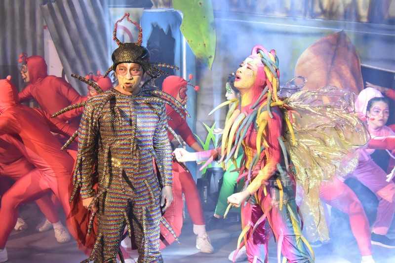 Team Karylle and Jhong mesmerizes in super all original insect musical