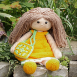 http://lucy.lucyscreativecrafts.co.uk/free-pattern-primrose