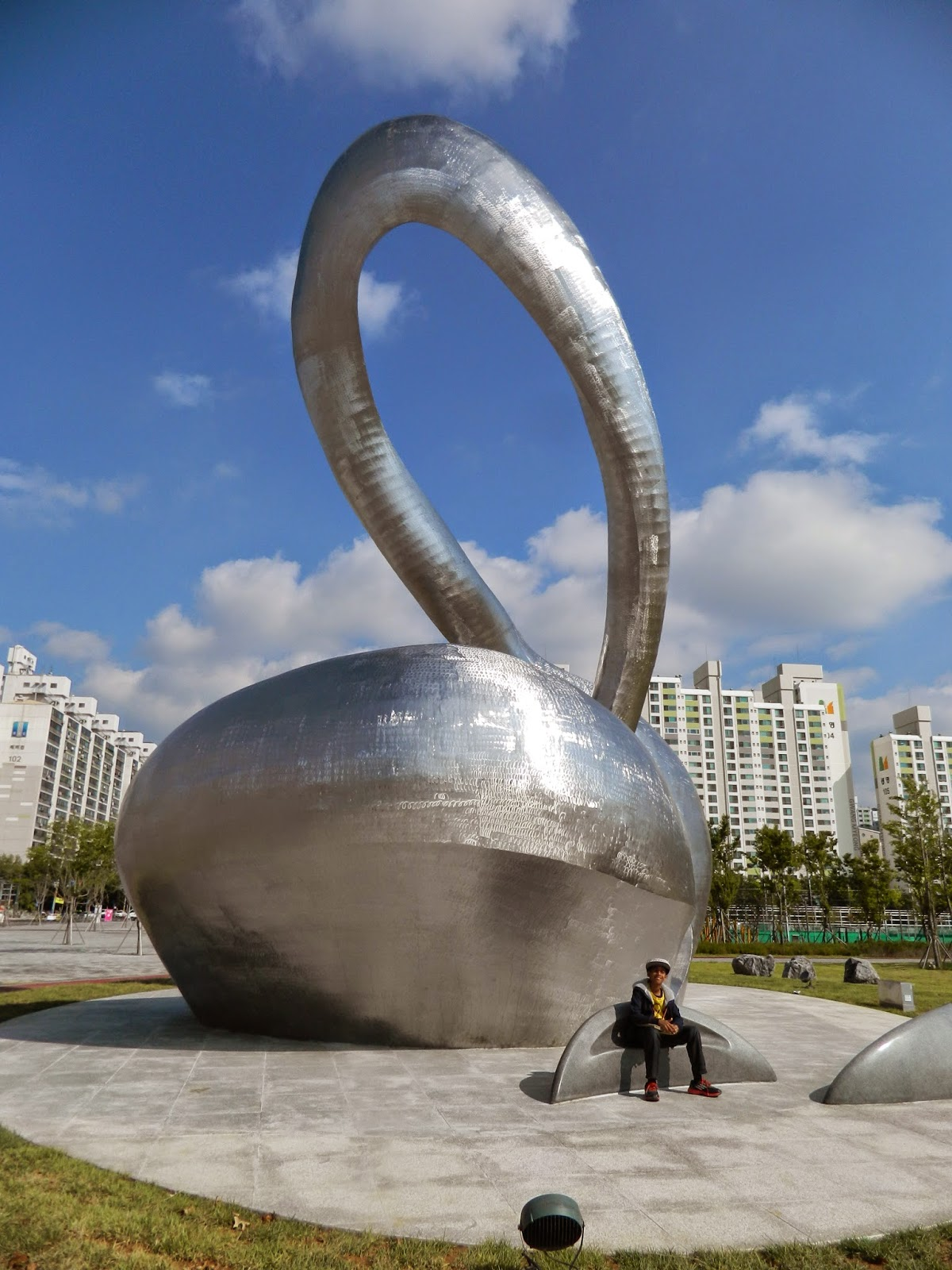 yet another art piece at the Incheon main stadium