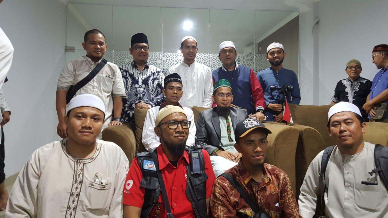 Kisah Mengagumkan Di Balik Pertemuan Ustadz Abdul Somad dan Ustadz Adi Hidayat