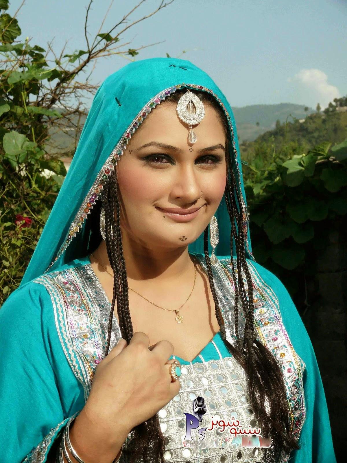 Hot Mujra Afghni Aunty Chanda Pashto Hot Mujra-8138