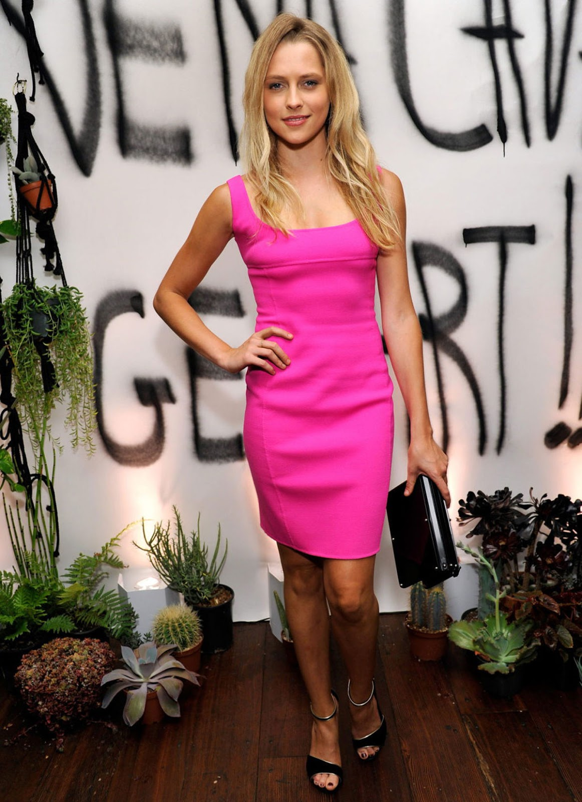 HQ Photos of Teresa Palmer in short mini pink dress At Genart Honors Alumni Vena Cava Party In Los Angeles