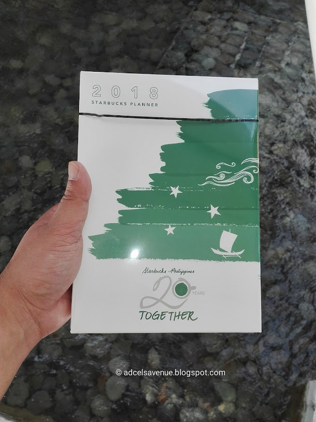 Start Planning Your 2018: Unboxing the Starbucks Planner