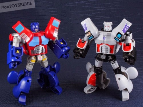 9aacaa97 Transformer BE@RBRICKS = We've posted a teaser of things to come …. and  now, we have images of TRANSFORMING BE@RBRICKS - featuring Optimus Prime  and ...