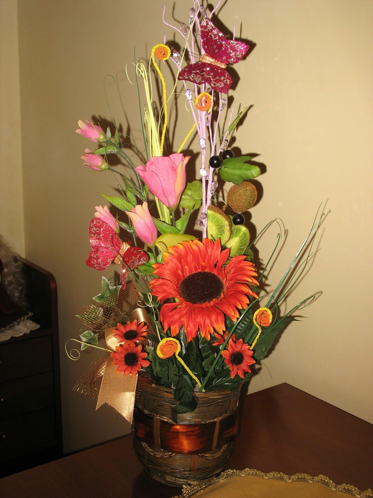 Piccole meraviglie di fiore composizioni di for Composizioni fiori finti per arredamento