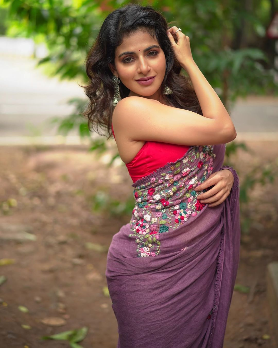 Actress Aishwarya Menon Hot Saree Photoshoot Latest Indian Hollywood Movies Updates Branding Online And Actress Gallery