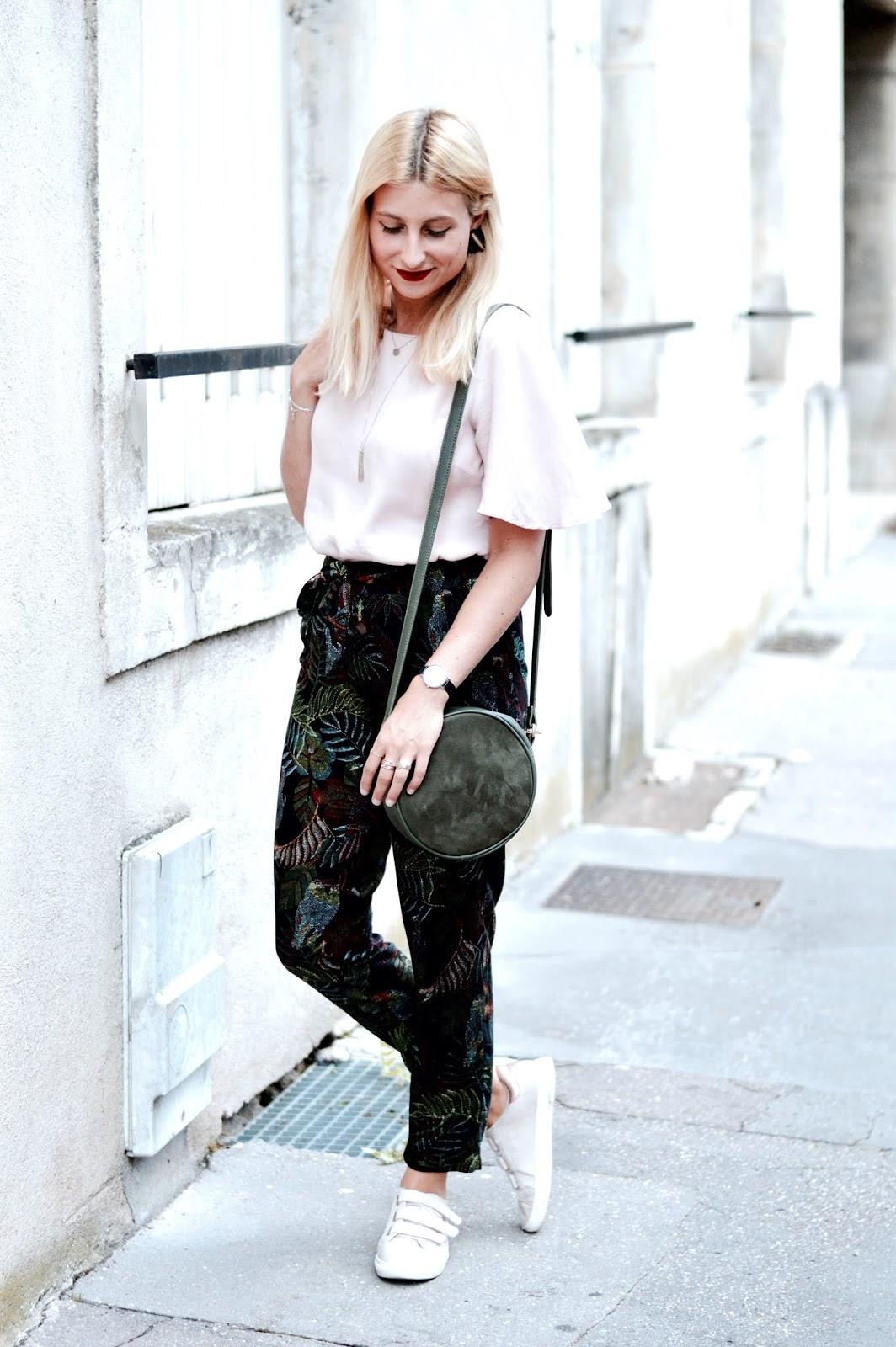 Look été : pantalon tropique grain de malice