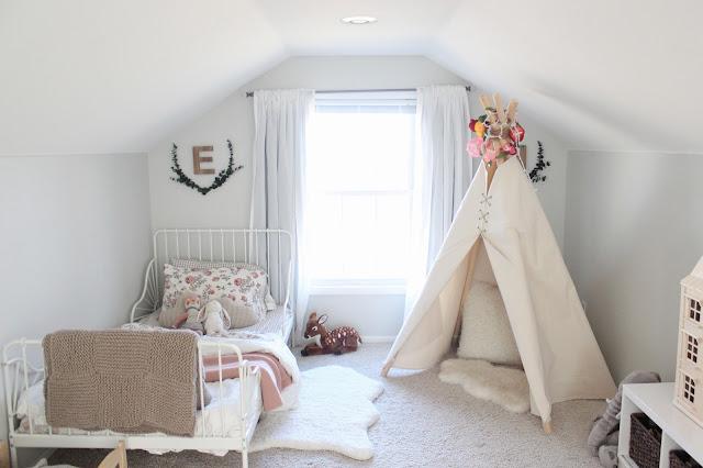 http://behindtheredbarndoor.blogspot.com/2017/03/girls-bedroom.html