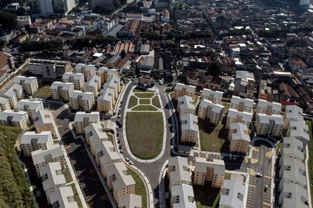 Complexo habitacional da programa Minha Casa, Minha Vida no Rio de Janeiro, dia 28 de junho de 2014