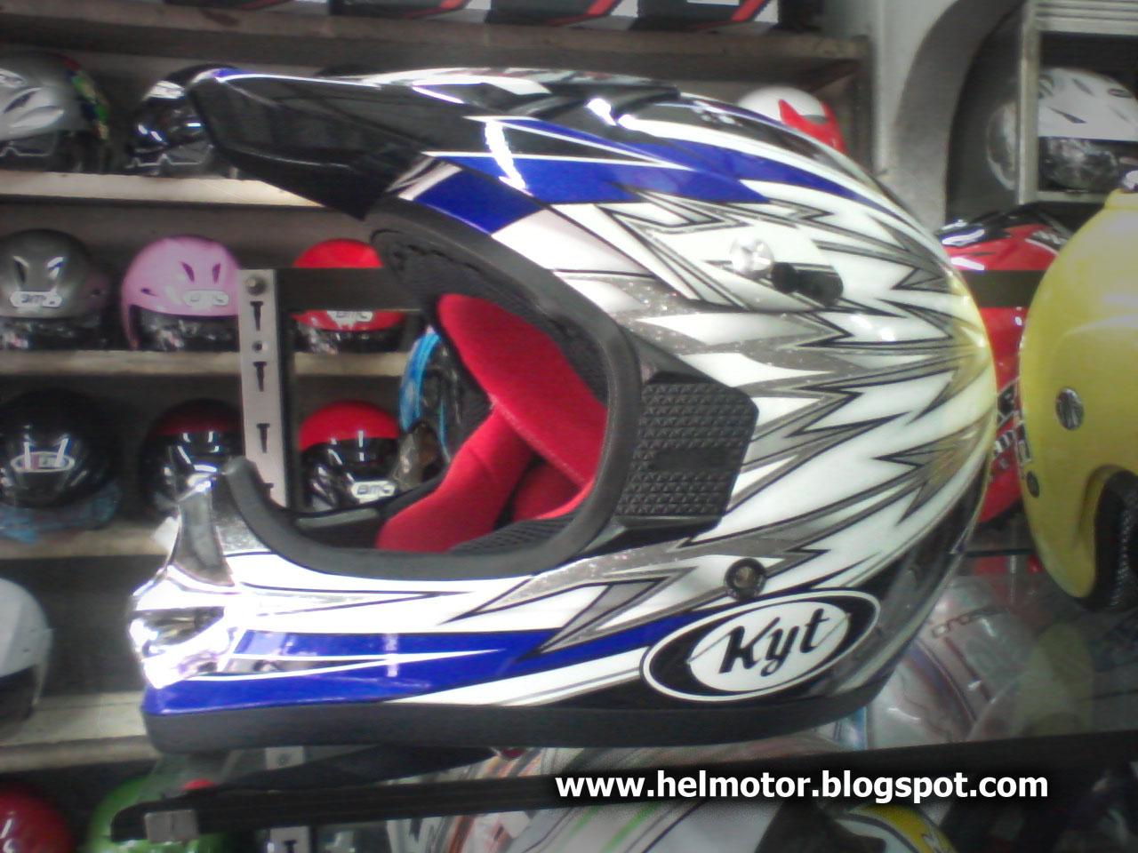 Helm KYT Cross  Helm Vespa