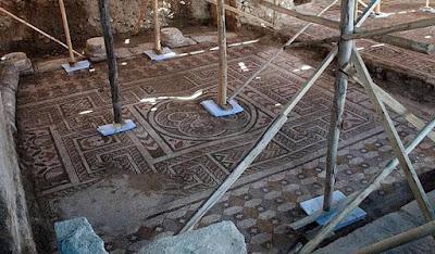 Ανακαλύφθηκε εντυπωσιακό μωσαϊκό δαπέδου στη Λαοδικεία
