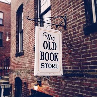 La librería de los finales felices vieja librería cartel