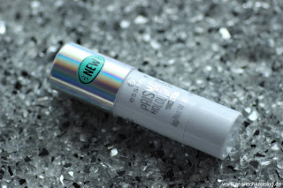 Review: 13 essence Update Produkte - Prismatic Hololighter Stick - www.annitschkasblog.de