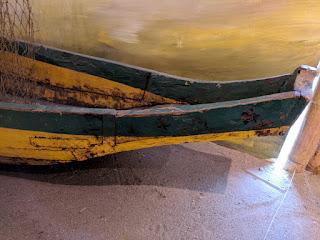 Ecuadorian cholo pescador plank canoe - stern transom