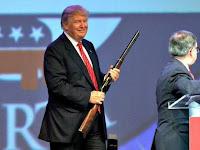 Donald Trump mar labaad muslimiinta u dhaaranaya