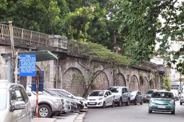 ハノイの道端 Hanoi-roadside