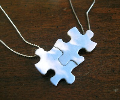 Como hacer una Gargantilla con 2 piezas de Puzzle