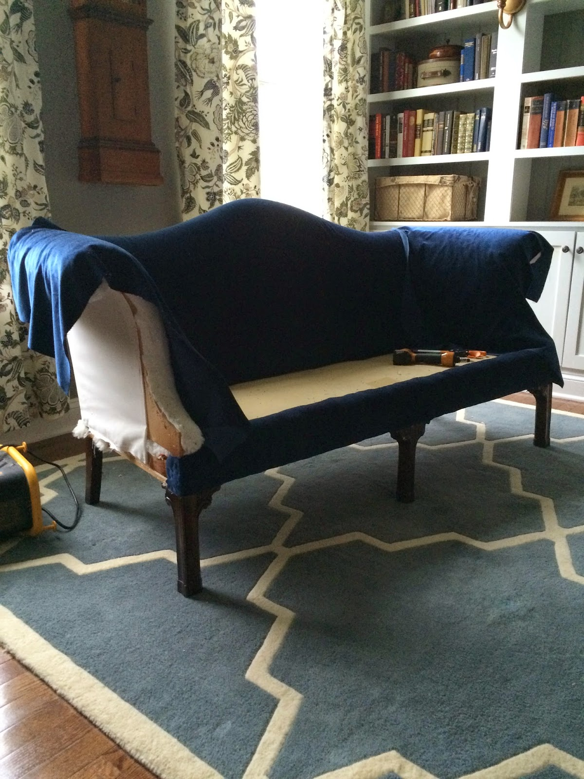 Right up my alley navy blue velvet sofas and an - Navy blue velvet sofa ...