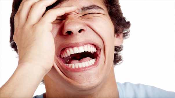 الضحك حتى الإغماء