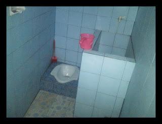 kamar mandi hotel teratai