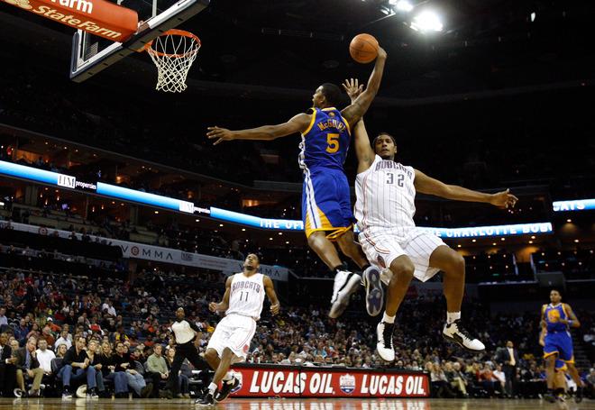 a1ee035fee06 NBA FEET  KICKS AROUND THE COURT