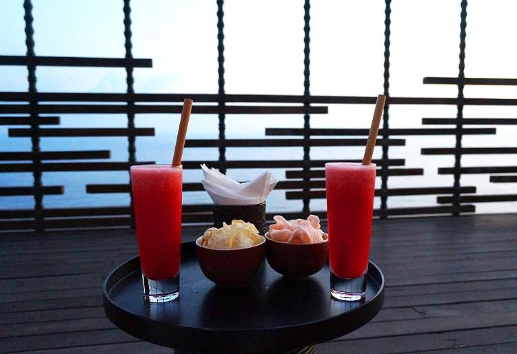 Euriental | fashion & luxury travel | Alila Villas Uluwatu, the sunset cabana