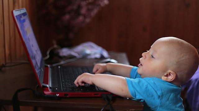 Acusan a YouTube de recopilar ilegalmente datos personales de menores de edad