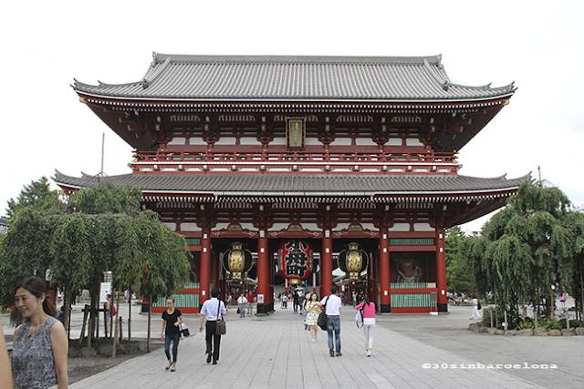 Senso-ji Temple in Asakusa, Tokyo