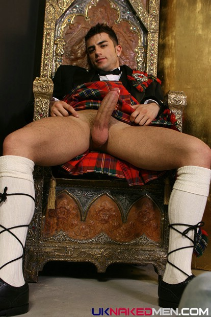 sitting-sexy-scotsman-nude-picture-fuck-pain-video